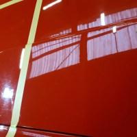 micro rayures sur porsche rouge