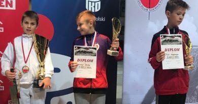 Marcin z 4b złotym medalistą w szermierce!
