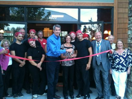 Owner Vicki Deshaies with Snoqualmie Mayor Matt Larson during grand opening event in 2012. Pic: Facebook.
