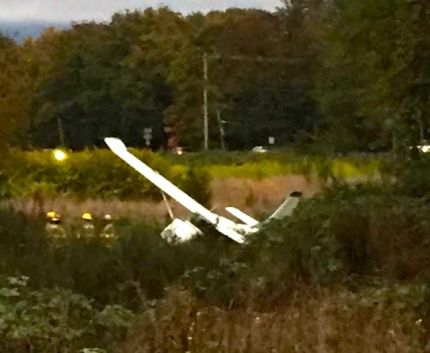 Small plane crashed into field near SR 202 roundabout, 10/2/15. Photo: Julie Bludworth