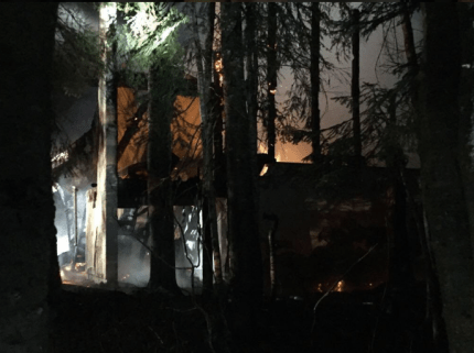 Scene of fire that destroyed home at Snoqualmie Pass, 11/8/16. Photo: SFD