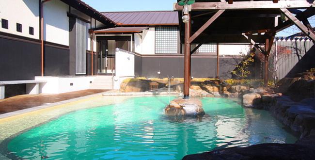 「尾道平原温泉 ぽっぽの湯 開放感もある広めの露天風呂」のアイキャッチ画像
