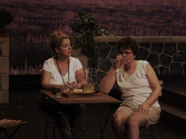 Gerda van der Linden en Yvonne Sipman