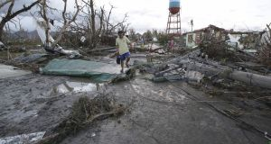 9214 645 54 Official: 10,000 feared dead after Typhoon Haiyan