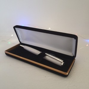 Slimline pen in white Corian ®