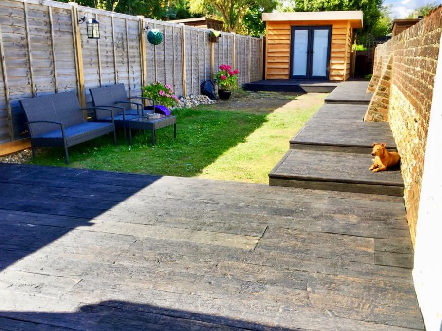 You are currently viewing Stunning Millboard Garden Decking and Path