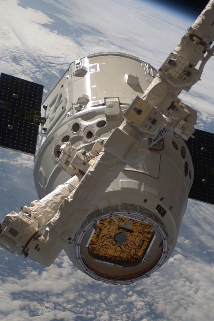 SpaceX scores success with Dragon in-flight abort review ...