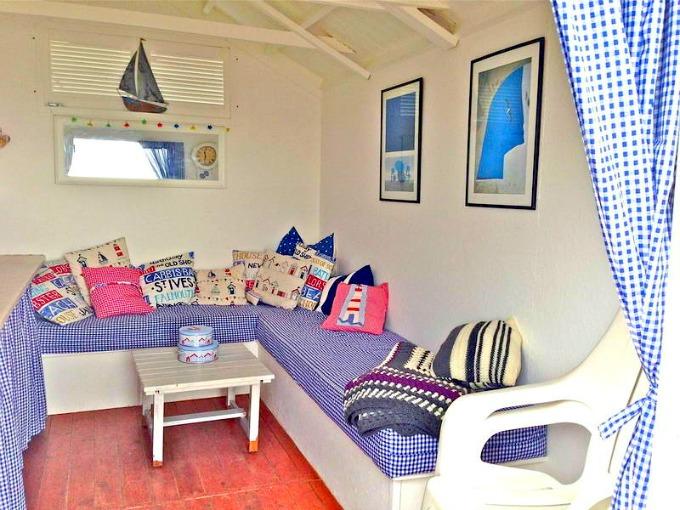 percy-beach-hut-mersea
