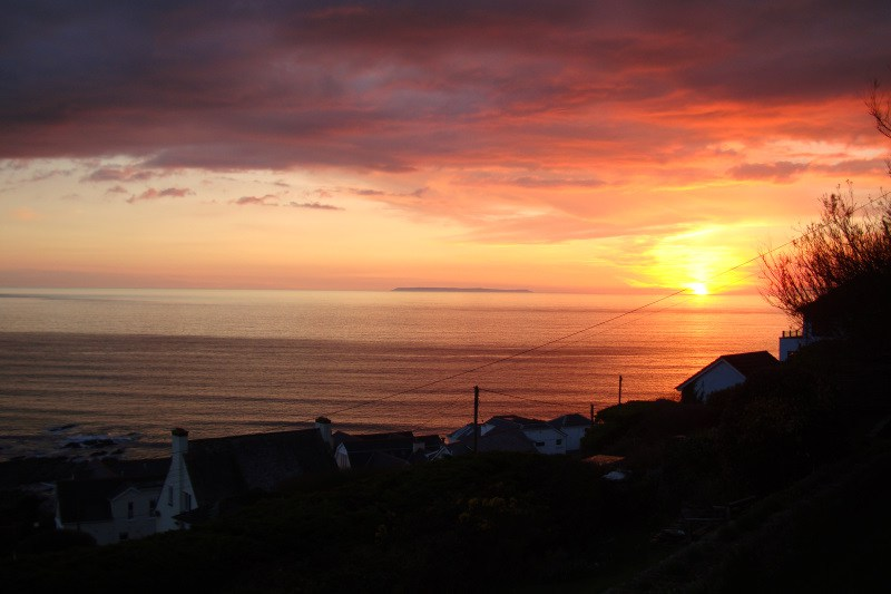 Sunset-over-Lundy-Island