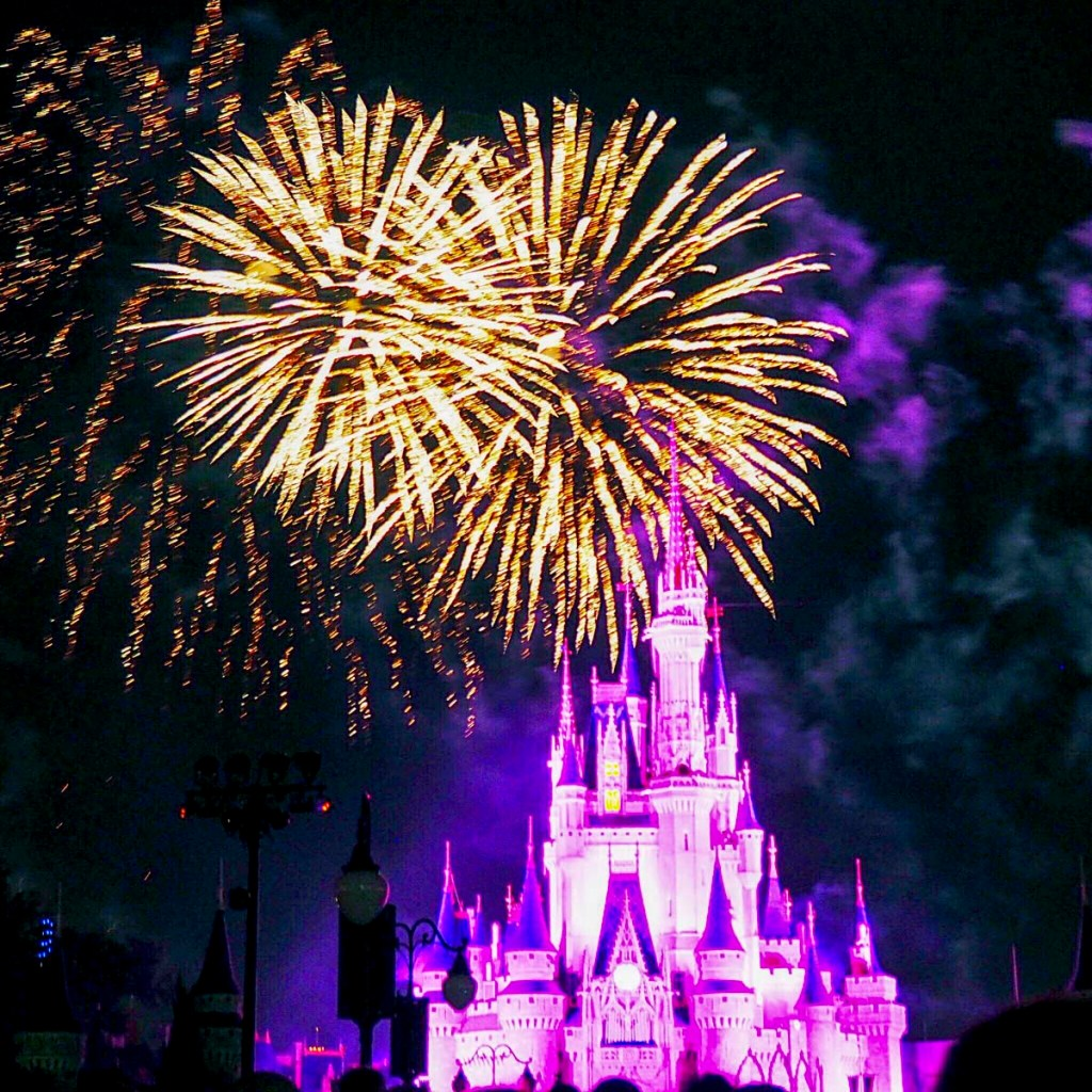 Magic-Kingdom-Wishes-Fireworks