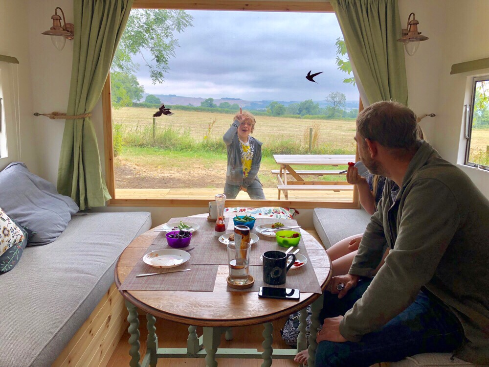 Mayfield Hideaway, Peak District Self Catering Caravan near Dovedale and Alton Towers