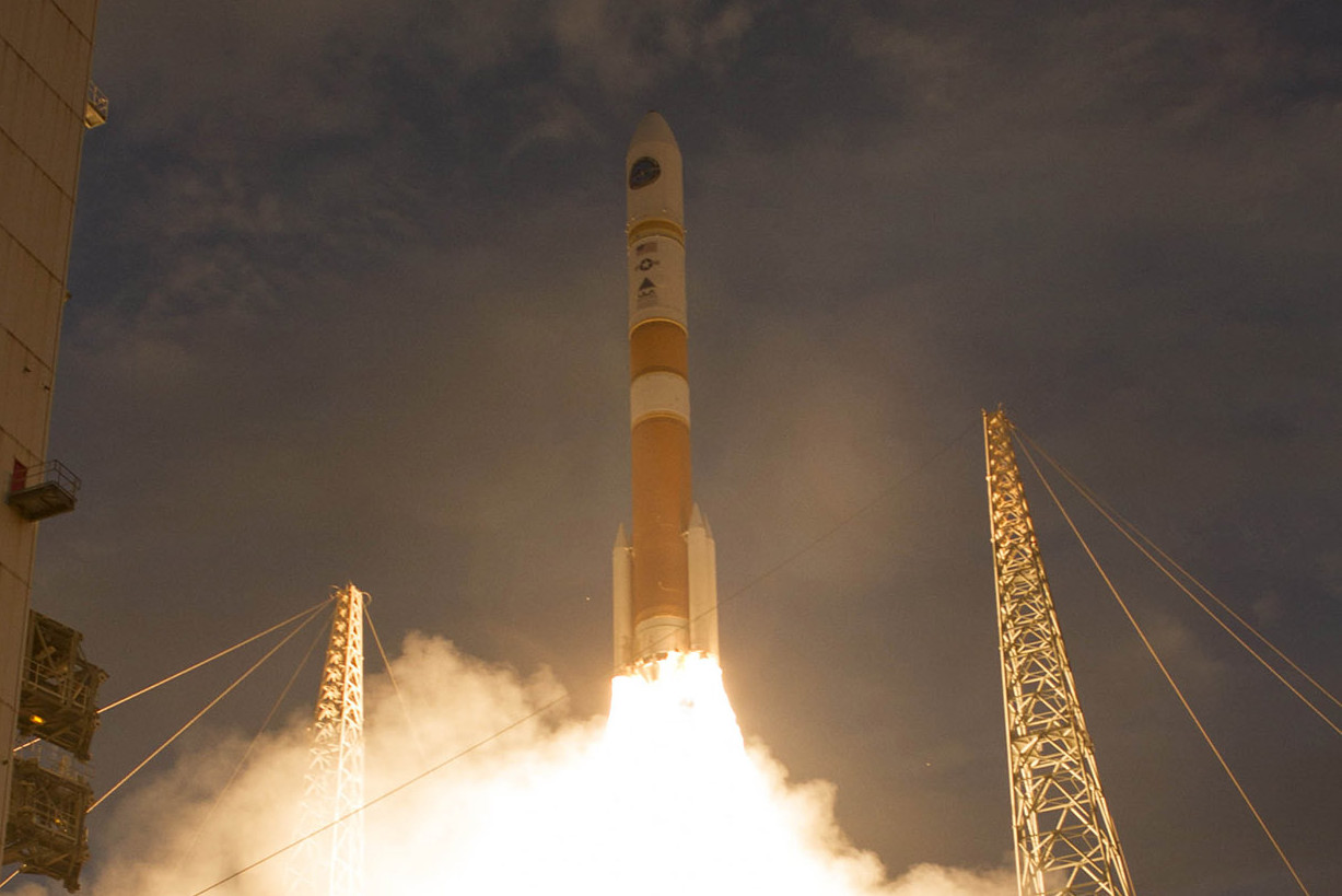 delta 4 launches 7th wgs satellite spacenews com