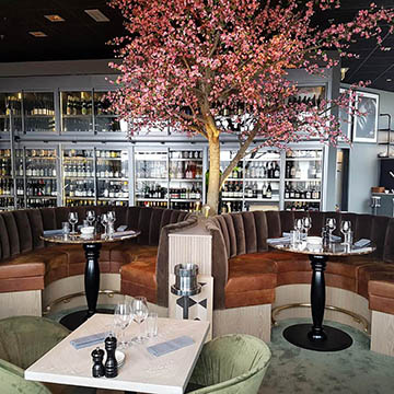 Restaurant interior Heaven 22
