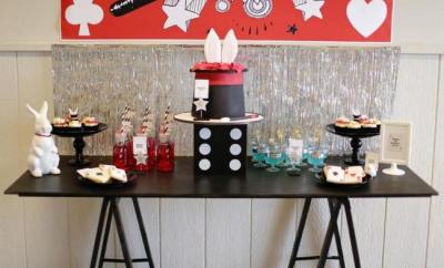 magic birthday party cake table