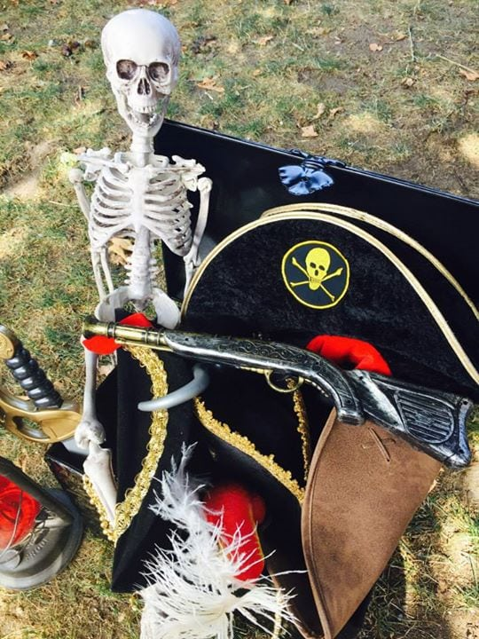 Boy's Pirate Themed Birthday Party Dress Up