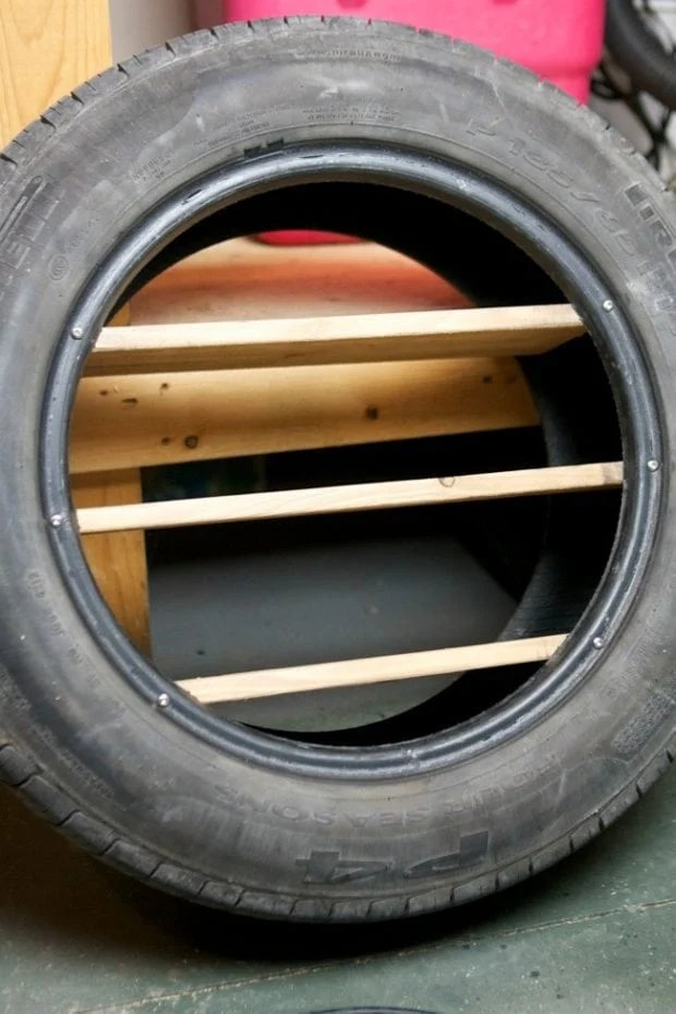 How to Put Shelves in a Tire