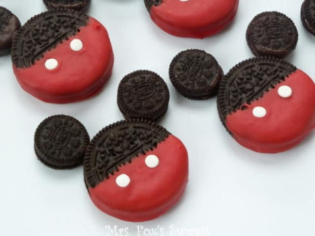 19 Mickey Mouse Oreo Cookies
