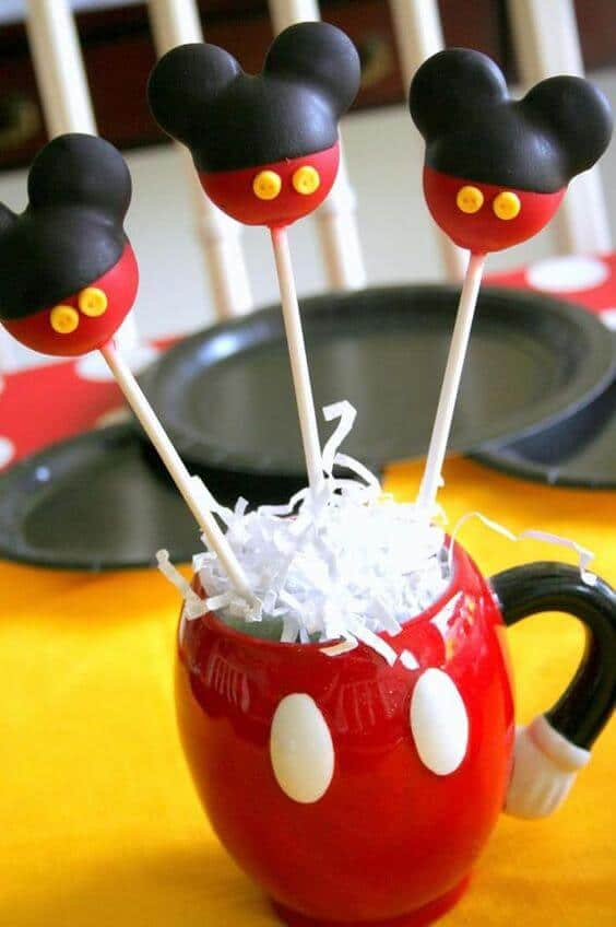 24 Mickey Mouse Cake pops