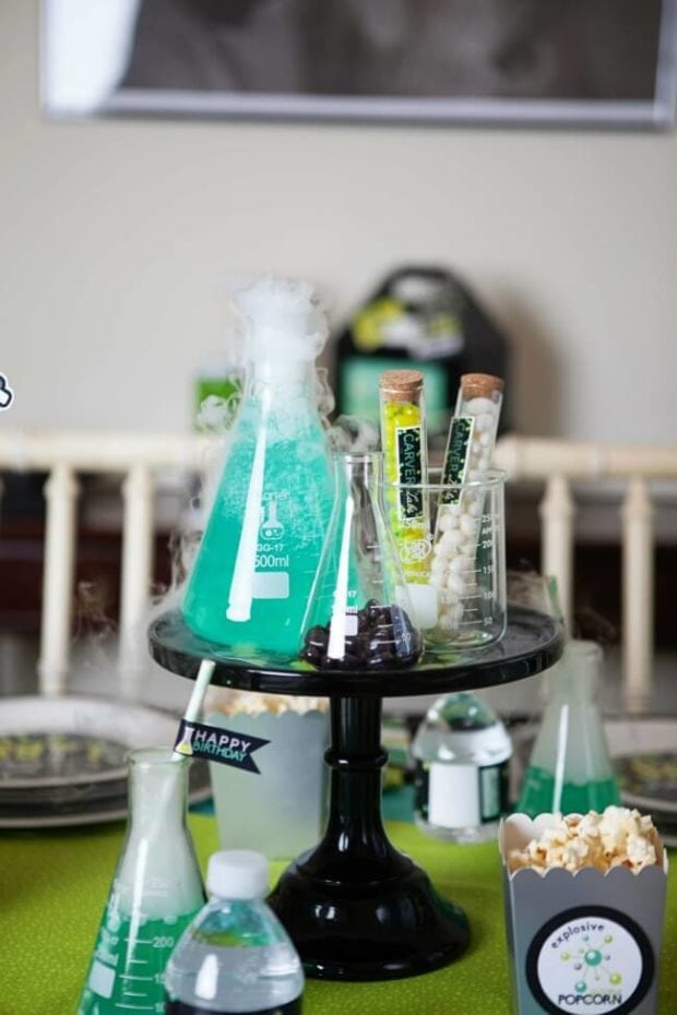 mad-science-party-decorations