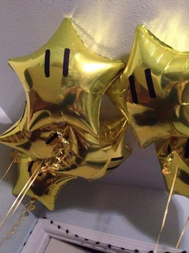 How fantastic are these Mario Brothers gold star balloons?