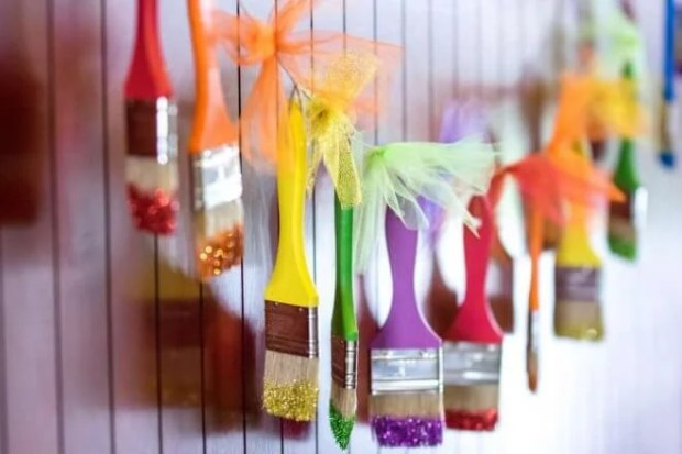 Paint brush garland