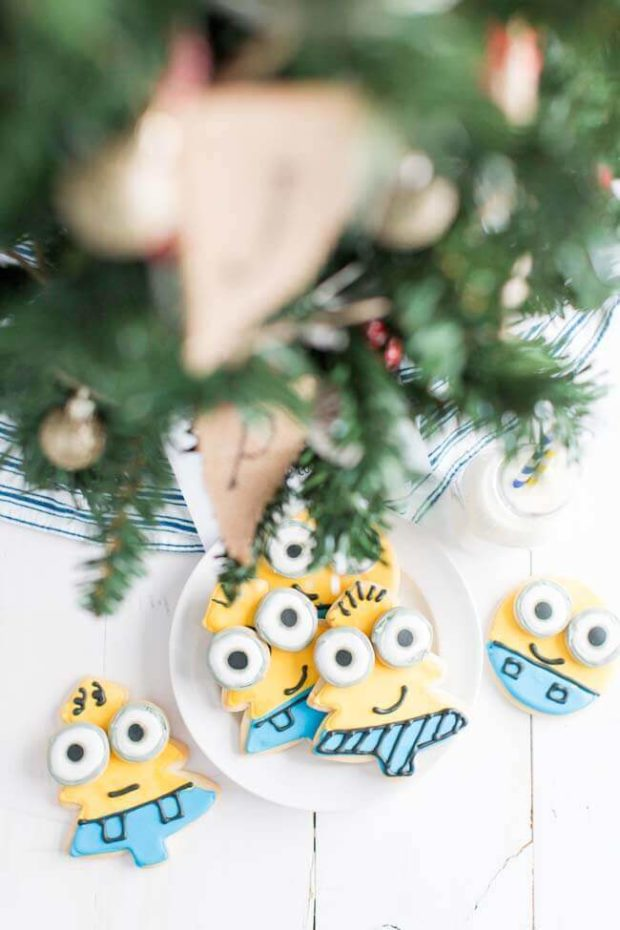 Despicable Me Minion Cookies for Christmas