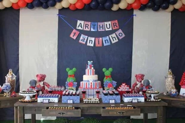 24 First Birthday Party Ideas Themes For Boys Spaceships And Laser Beams