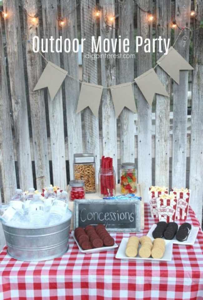 Outdoor Movie Party by I Dig Pinterest | Teen birthday party ideas that they will approve of!