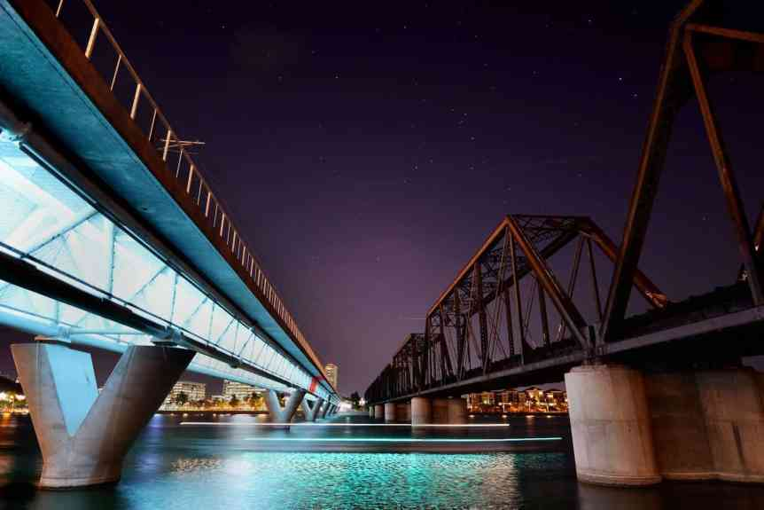 Stargazing in Phoenix - Tempe Town Lake - Ryan Cadby via Flickr