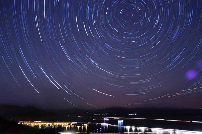 Stargazing near Phoenix - Lake Pleasant - Ryan Cadby via Flickr