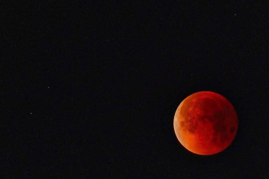 2019 Lunar Eclipse - Valerie Stimac