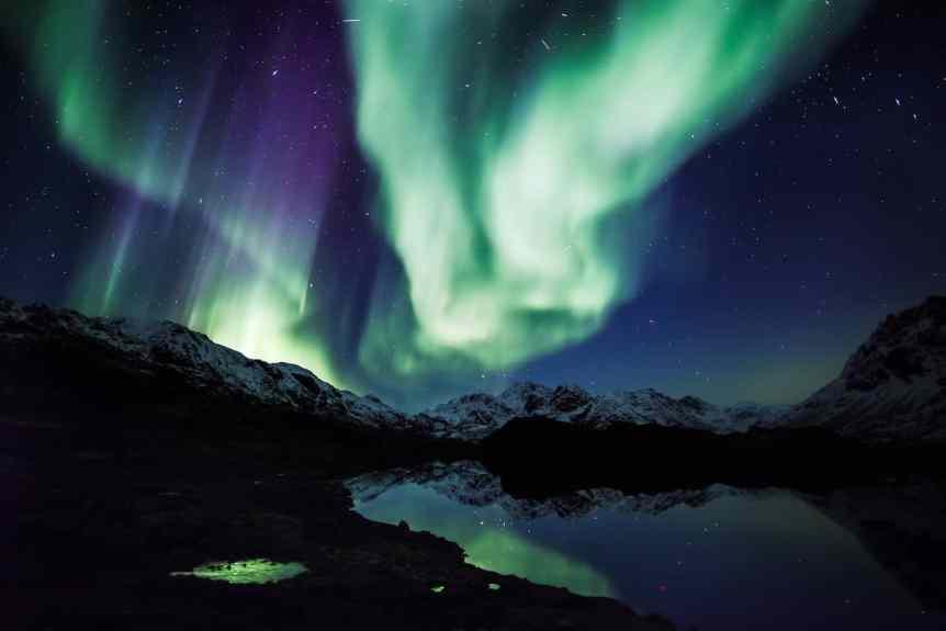 Northern Lights in Greenland - Mads Pihl - Visit Greenland 5