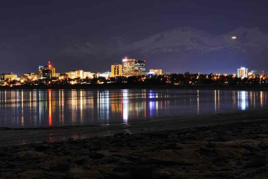 Stargazing in Anchorage - Paxson Woelber via Flickr