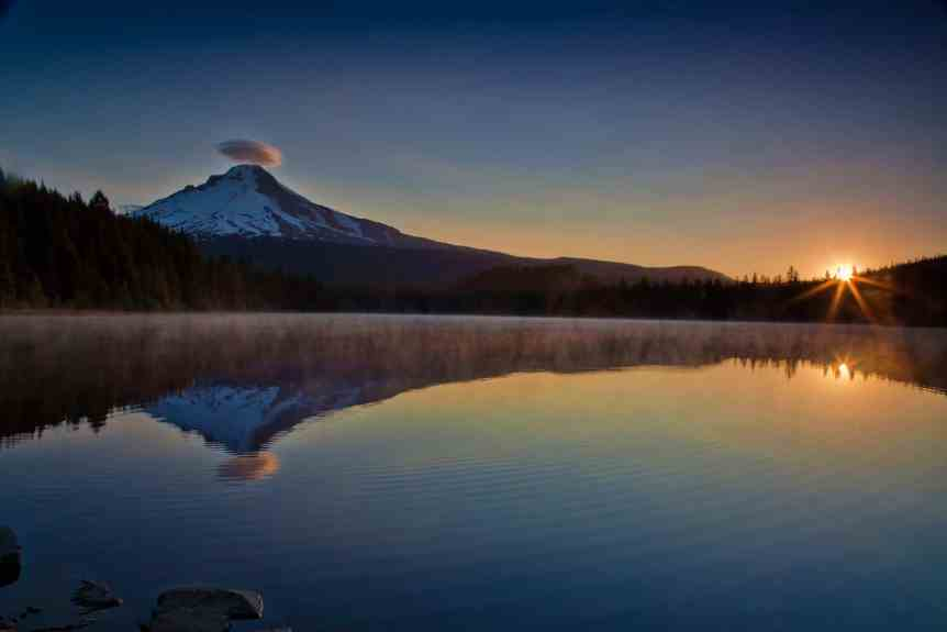 Stargazing near Portland - Trillium Lake - stokes rx via Flickr