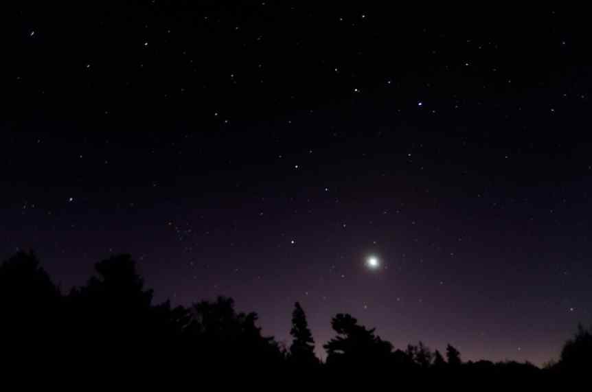 Night Sky December - Venus and the Moon - Arvind Govindaraj via Flickr