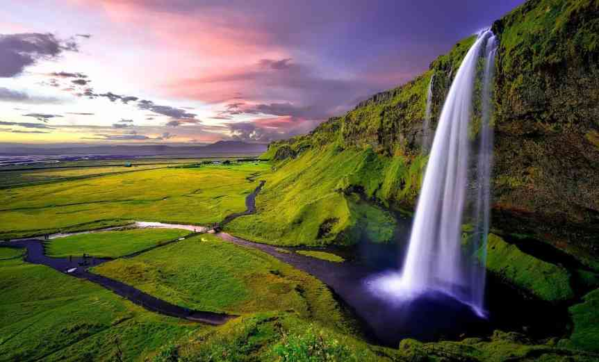 When to See the Northern Lights in Iceland - Summer