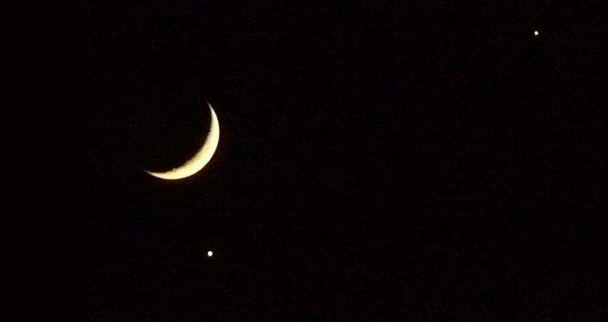 Night Sky in February - Moon, Venus & Jupiter - Xavi via Flickr