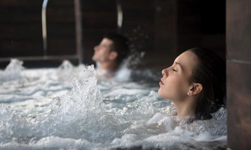 热疗和浴池体验