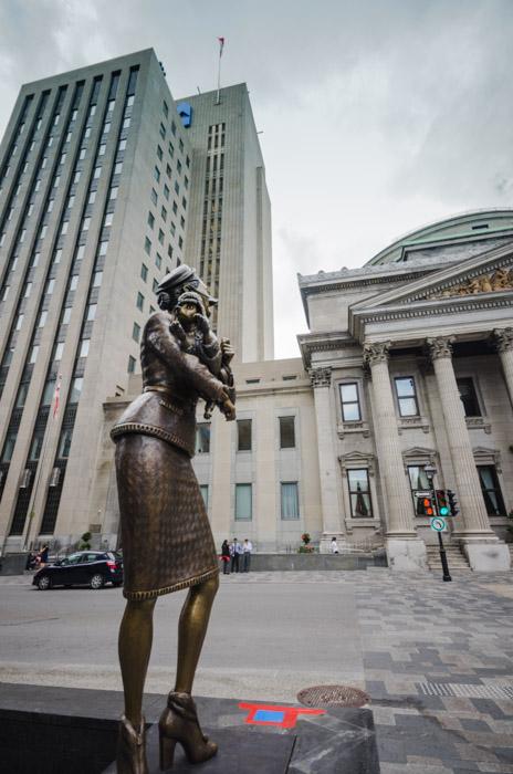 Photo Du Jour New Sculptures At Place D Armes Spacing