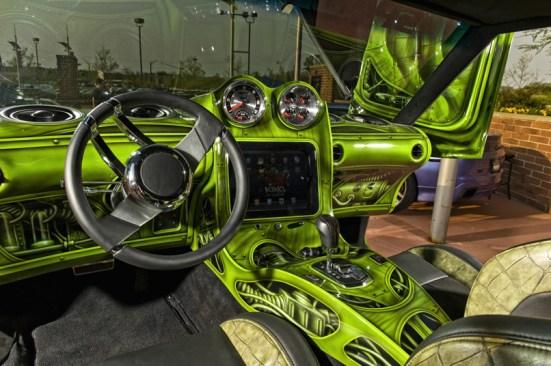 new_hulk-caprice-at-rave-(4)