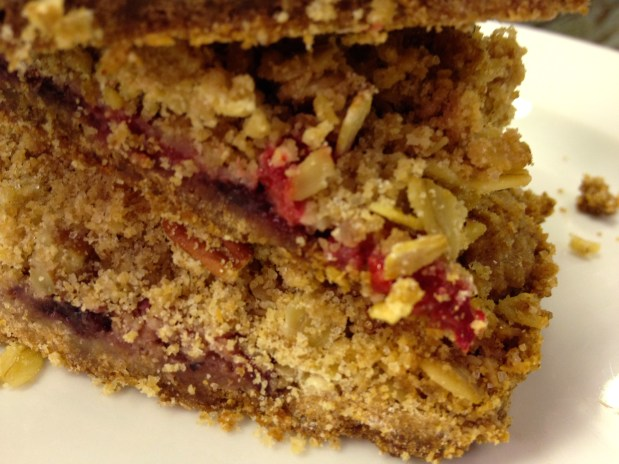 December in the kitchen – Raspberry streusel bars