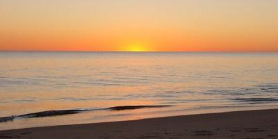 atardecer playa huelva