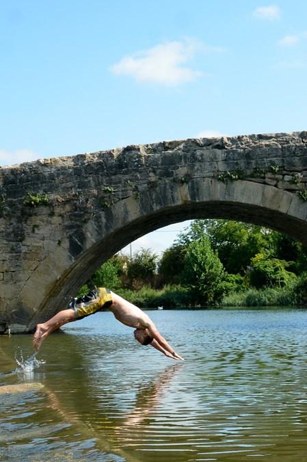 Puente-de-Arganzon-piscinas-salvajes