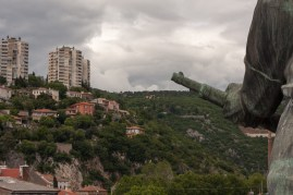 Luiza Margan – Eye to Eye with Freedom Action in public space, Monument to Liberation by Vinko Matković, Delta 17/5 and 18/5