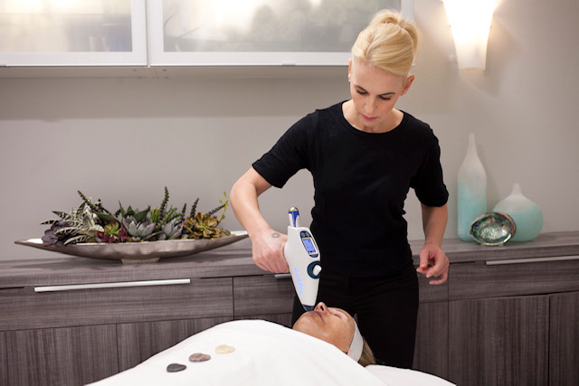 Why  Coolifting Facials Are Important & How You Can Completely Transform Your Complexion