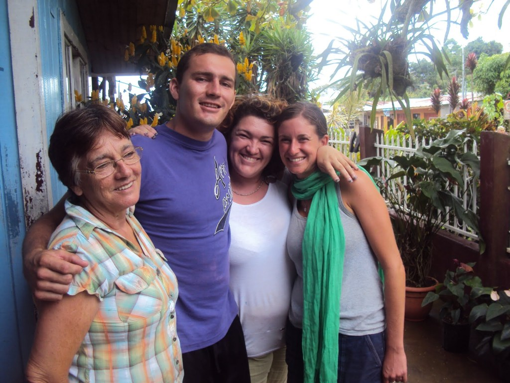 Costa Rican family with Spanish students living with them in homestay in Costa Rica