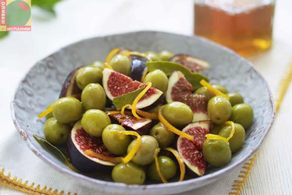 Салат с инжиром и оливками