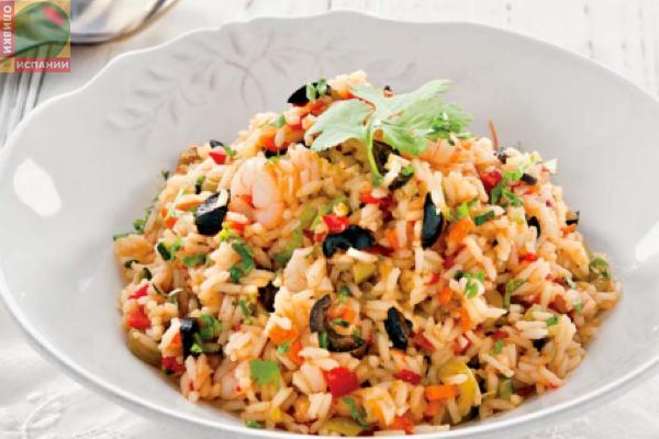 Жареный рис в азиатском стиле