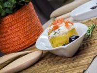 Вареный картофель, фаршированный маслинами и сыром