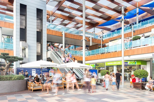 Vukile acquires its first Spanish shopping centre.